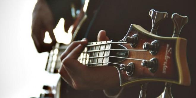 Musicisti e dolore: binomio scomodo e costante