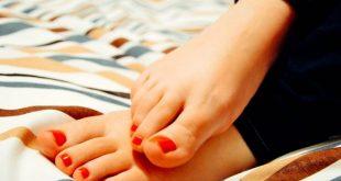 Olio di Manuka, antibiotico naturale toccasana anche per i piedi