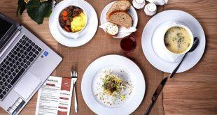 10 ottime ragioni per sostituire il pranzo fuori casa con un superfood