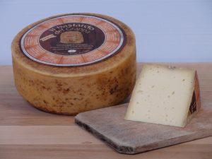 Prodotti tipici Made in Italy: il bastardo del Grappa, specialità di malga