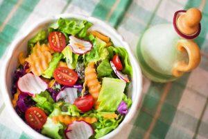 Dieta vegana che salva la pelle: dopo il sole, ancora più belli