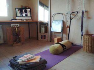 Praticare Yoga in casa. Ecco come creare l'ambiente e l'atmosfera adatti