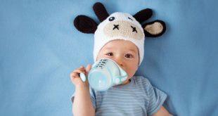 Bebè: come faccio a capire se è il momento di dargli un po' d'acqua?