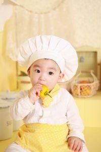 Soffocamento del bambino: prima regola, usare le mani