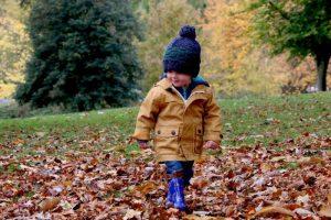 I bambini e il freddo: come proteggerli e scegliere la dieta invernale