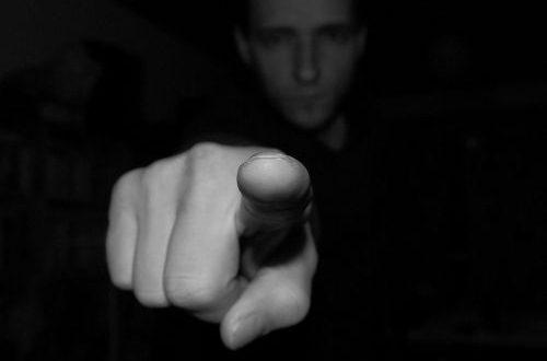 Persone dal comportamento critico: che fare quando si incontrano?