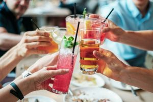 Cocktail: prepararli con quel che c'è? Oggi si può