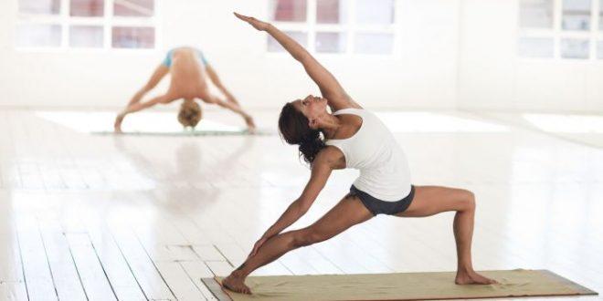 Come cambiare vita con lo yoga: ecco i principali benefici