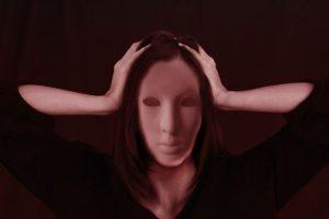Emicrania con aura: ecco il prodotto nutraceutico che dimezza le crisi