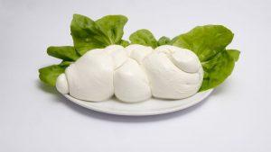 Alimenti 10 lode. Mozzarella di bufala: ottimo formaggio a pasta filata