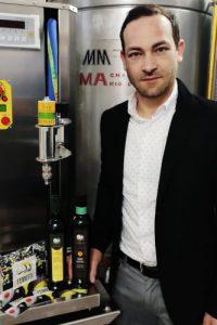 Olio d'oliva, un'eccellenza italiana, opera sapiente di maestri del sapore