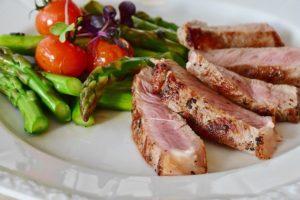 Proteine: saperne di più ci aiuta a mangiare meglio