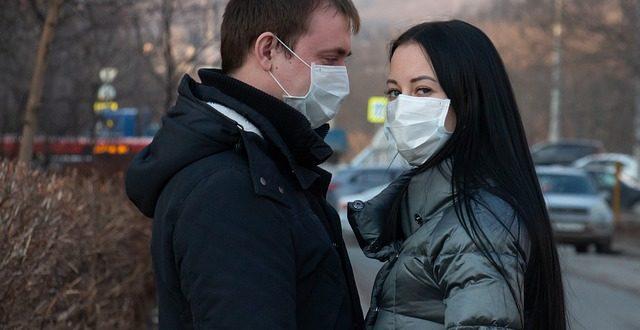 Sesso e Covid-19: il bacio è un'importante via di trasmissione del virus