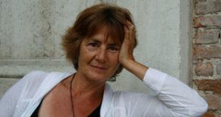 Stefania Bertola, una surreale famiglia protagonista dell'ultimo romanzo