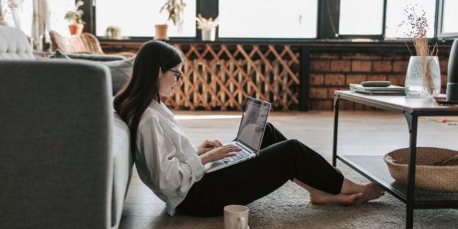 Moda comfy: capi comodi e confortevoli per essere chic anche in casa