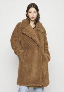Capispalla da donna: i modelli più chic da indossare in inverno