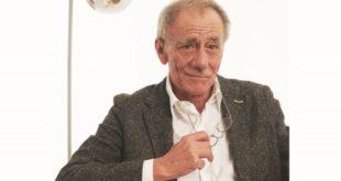 Roberto Vecchioni racconta lezioni di scuola che sono lezioni di vita