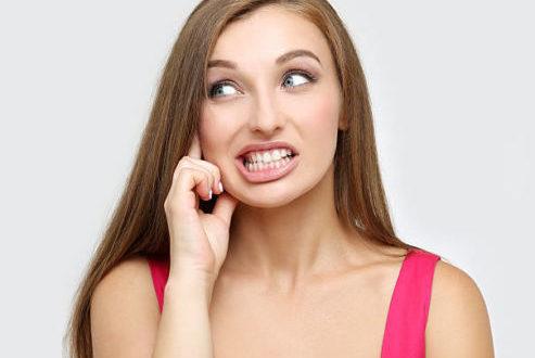 Yoga della bocca: la terapia naturale contro il bruxismo