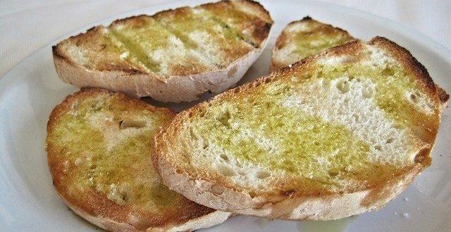 Merenda semplice e sana? Facile: pane e olio e un pizzico di sale