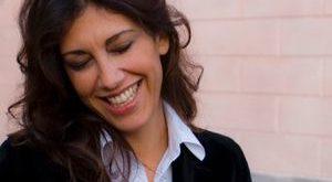 Gaia Manzini, la forza della parola contro la rabbia del silenzio